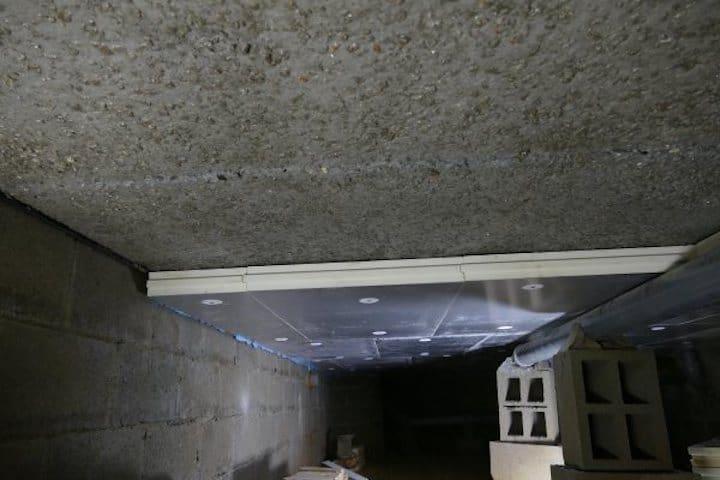 Vloerisolatie / Plafondisolatie in de kruipkelder - © Isolatie & Renovatie Verhoeven