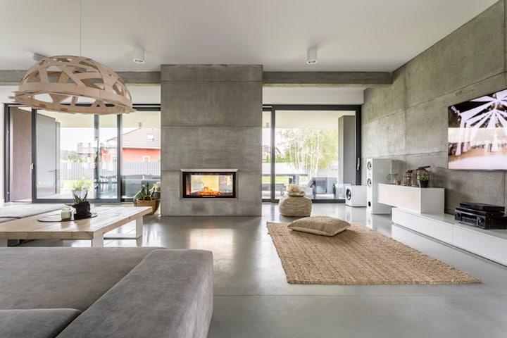 Moderne woning met akoestisch spanplafond